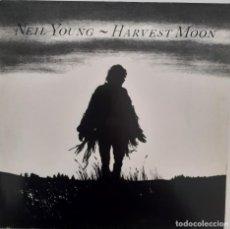 Discos de vinilo: NEIL YOUNG HARVEST MOON. Lote 243389830