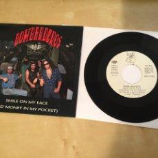 "Discos de vinilo: BOMBARDEROS - SMILE ON MY FACE (AND MONEY IN MY POCKET) - SINGLE PROMO RADIO 7"" - 1990. Lote 243428240"