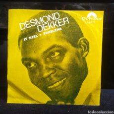 Discos de vinilo: DESMOND DEKKER - IT MIEK / NO PROBLEMS SUECIA 1969. Lote 243551400