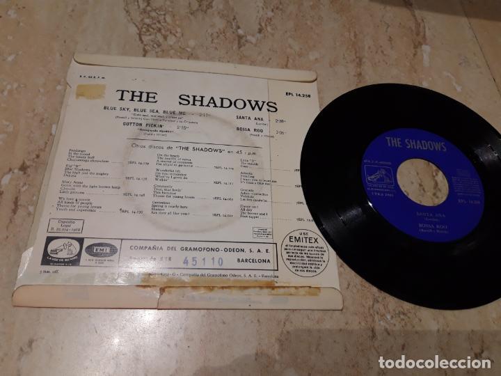 Discos de vinilo: The Shadows ?– Blue Sky, Blue Sea, Blue Me +3. Edicion española 1966 - Foto 2 - 243617565