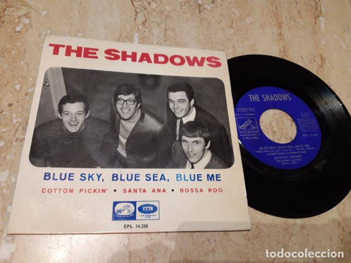 THE SHADOWS ?– BLUE SKY, BLUE SEA, BLUE ME +3. EDICION ESPAÑOLA 1966 (Música - Discos de Vinilo - EPs - Pop - Rock Internacional de los 50 y 60)