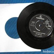 Discos de vinilo: BEATLES SINGLE ORIGINAL ENGLAND GRUPO MUSICAL AÑOS 60 ENGLAND. Lote 243794835