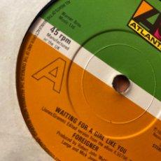 "Discos de vinilo: FOREIGNER - WAITING FOR A GIRL LIKE YOU (7"", SINGLE) PRIMER SINGLE UK DE FOREIGNER.. Lote 243864670"