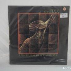 """Discos de vinilo: VINILO 12"""" - MAXI SINGLE - LESS CITIES, MORE MOVING PEOPLE - THE FIXX MCA RECORDS. Lote 243928285"""