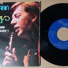 Discos de vinilo: BOBBY DARIN / HAPPY / SINGLE 7 PULGADAS. Lote 244442975