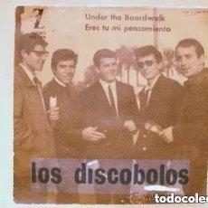 Discos de vinilo: DISCOBOLOS - UNDER THE BOARDWALK (SG) 1964 PROMO!!!. Lote 244466095