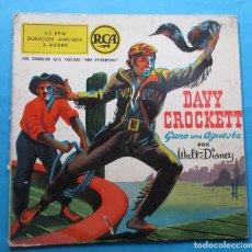Discos de vinilo: DISCO SINGLE CON HISTORIETA. ´DAVY CROCKETT GANA UNA APUESTA´. WALT DISNEY.. Lote 244651935