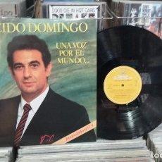 Discos de vinilo: LMV - PLACIDO DOMINGO. UNA VOZ POR EL MUNDO. DEUTSCHE GRAMMOPHON 1982, REF. 410 870-1 - 2 LP'S. Lote 244664220