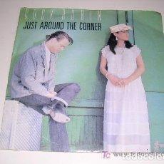 Discos de vinilo: COCK ROBIN JUST AROUND THE CORNER. Lote 244769900