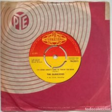 Discos de vinilo: THE GLENCOVES. HOOTENANNY/ IT'S SISTER GINNY'S TURN TO THROW THE BOMB. PYE, UK 1963 SINGLE. Lote 244944750