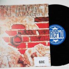 Discos de vinilo: ANTIGUO VINILO / OLD VINYL : CO.RO FEAT LYEN : RUN AWAY (MAXI 1994). Lote 245301640