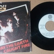 Discos de vinilo: CITY BOY / THE DAY THE EARTH CAUGHT FIRE / SINGLE 7 PULGADAS. Lote 245484560