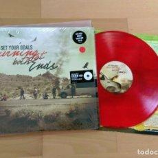 Discos de vinilo: LP SET YOUR GOALS BURNING AT BOTH ENDS EPITAPH RECORDS 2011 ROJO + CD RED NEW NOFX BAD RELIGION. Lote 245565075