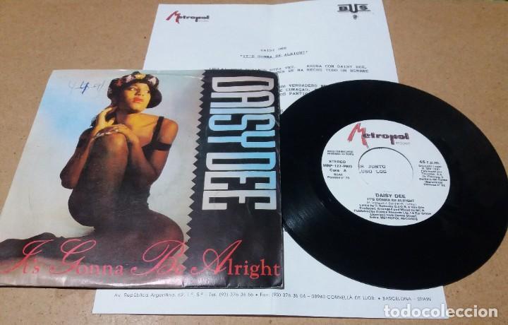 DAISY DEE / IT'S GONNA BE ALRIGHT / SINGLE 7 PULGADAS (Música - Discos - Singles Vinilo - Pop - Rock Internacional de los 90 a la actualidad)