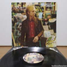 Discos de vinilo: TOM PETTY AND THE HEARTBREAKERS - HARD PROMISES 1981 ED ALEMANA CON ENCARTE Y PÓSTER. Lote 246196615