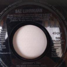 Discos de vinilo: MUY,MUY RARO!!! BAZ LUHRMANN-EVERYBODYS FREE. Lote 246234360