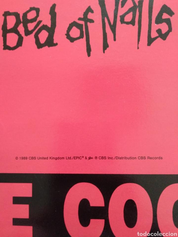 """Discos de vinilo: Alice Cooper. Maxi Single 12"""" """" Bed Of Nails """". Edición U.K. 1989. Contiene Póster. - Foto 3 - 246488890"""
