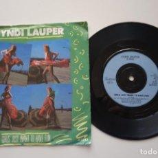 "Disques de vinyle: CYNDI LAUPER: GIRLS JUST WANT TO HAVE FUN. SINGLE VINILO 7"" ORIGINAL UK. Lote 247423330"