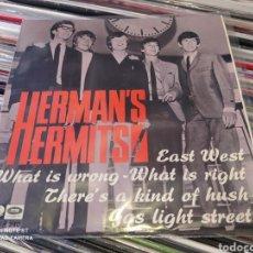 Discos de vinilo: HERMAN'S HERMITS–EAST WEST . EP SPAIN 1967. BUEN ESTADO.. Lote 247477475
