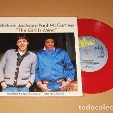 Discos de vinilo: MICHAEL JACKSON / PAUL MCCARTNEY - THE GIRL IS MINE - SINGLE ROJO - 1983 - IMPORT. Lote 247649230