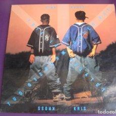 Disques de vinyle: KRIS KROSS – TOTALLY KROSSED OUT - LP CBS 1992 - HIP HOP - LEVES SEÑALES DE USO. Lote 247747220