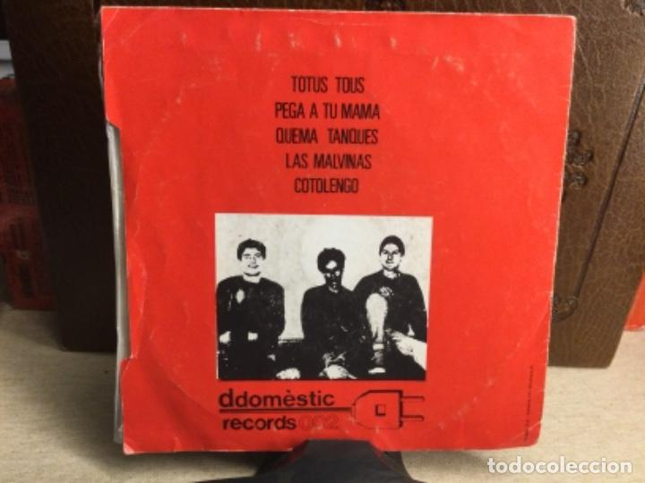 Discos de vinilo: CODIGO NEUROTICO - Totus Tous + 4 - EP DDOMESTIC RECORDS 1983 // 45 R.P.M.) - Foto 2 - 247807180