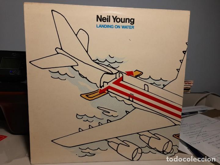 LP NEIL YOUNG : LANDING ON WATER ( EDICION ESPAÑA ) (Música - Discos - LP Vinilo - Pop - Rock - Internacional de los 70)