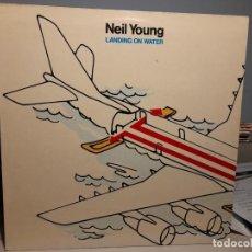 Discos de vinilo: LP NEIL YOUNG : LANDING ON WATER ( EDICION ESPAÑA ). Lote 247958375