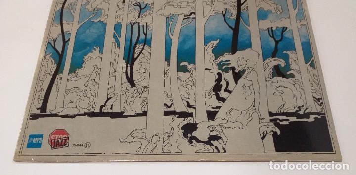 Discos de vinilo: CHARLIE MARIANO - HELEN 12 TREES -LP 1976. Firmado por el autor. - Foto 7 - 109026203