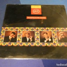 Discos de vinilo: EXPRO LP RUNNING IN THE FAMILY LEVEL 42 BUEN ESTADO DE VINILO. Lote 249008090