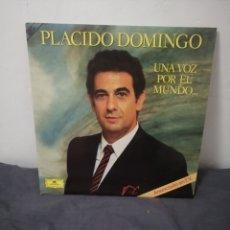 Discos de vinilo: PLÁCIDO DOMINGO - UNA VOZ POR EL MUNDO. Lote 249073475