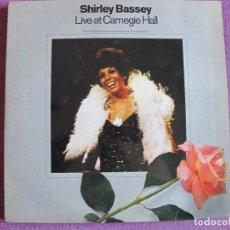 Discos de vinilo: LP - SHIRLEY BASSEY - LIVE AT CARNEGIE HALL (DOBLE DISCO CON FOTOS, ENGLAND, UA RECORDS 1973). Lote 251066880