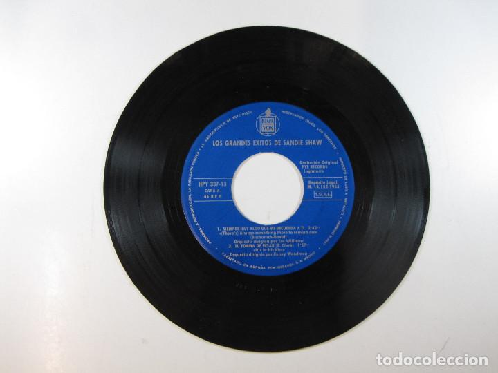 Discos de vinilo: EP Sandie Shaw, Los grandes éxitos de · Siempre hay algo que me recuerda a tí + 3 (1965) (RARO) - Foto 3 - 251156280