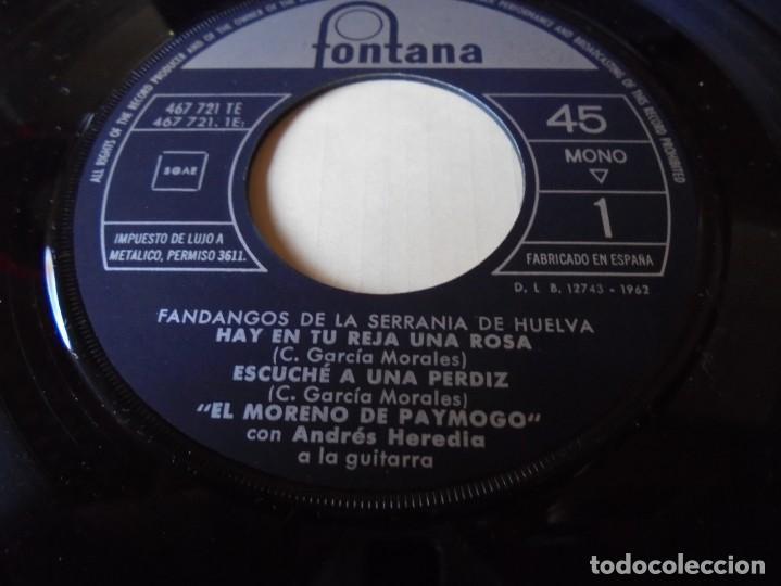 Discos de vinilo: single el moreno de paymogo fandangos de la serrania,hay en tu reja una rosa,del 1962,solo single - Foto 2 - 252155015