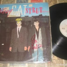 Discos de vinilo: STRAY CATS / STRAY CAT STRUT 1981 ARISTA ORG UK EDT, 12 PULGADAS , FIRMADO LEE ROCKER !!!!!!!!!!!!!. Lote 252276410