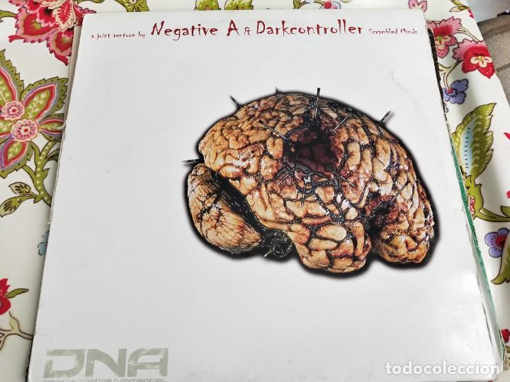 "NEGATIVE A & DARKCONTROLLER - SCRAMBLED MINDS (12"") SELLO:DNA TRACKS CAT. Nº: DNA013. VG+ / VG+ (Música - Discos de Vinilo - Maxi Singles - Punk - Hard Core)"
