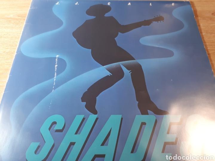 J.J. CALE SHADES (Música - Discos - LP Vinilo - Pop - Rock - Internacional de los 70)