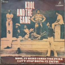 Discos de vinilo: SINGLE / KOOL AND THE GANG - KOOL IT (HERE COMES THE FUZZ), 1970. Lote 253909680