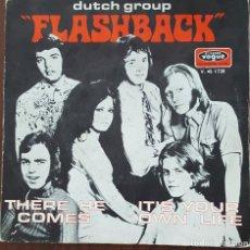 Discos de vinilo: SINGLE / DUTCH GROUP FLASHBACK - THERE HE COMES, 1970 (EDICION FRANCESA). Lote 254079450