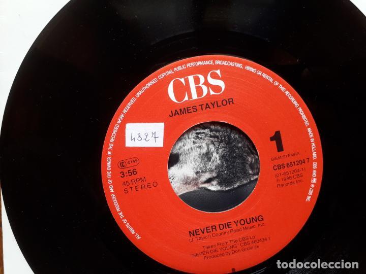 Discos de vinilo: James Taylor - never die young + valentines day - Foto 3 - 254159485