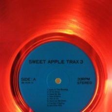 Discos de vinilo: THE BEATLES ‎– SWEET APPLE TRAX 3 (RARO VINILO DE COLOR ROJO) (RARE COLOURED RED VINYL). Lote 254376920