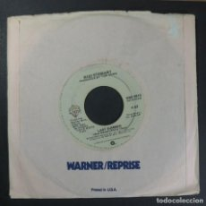 Discos de vinilo: ROD STEWART - LAST SUMMER / AINT LOVE A BITCH - SINGLE USA 1978 - WARNER. Lote 254776190