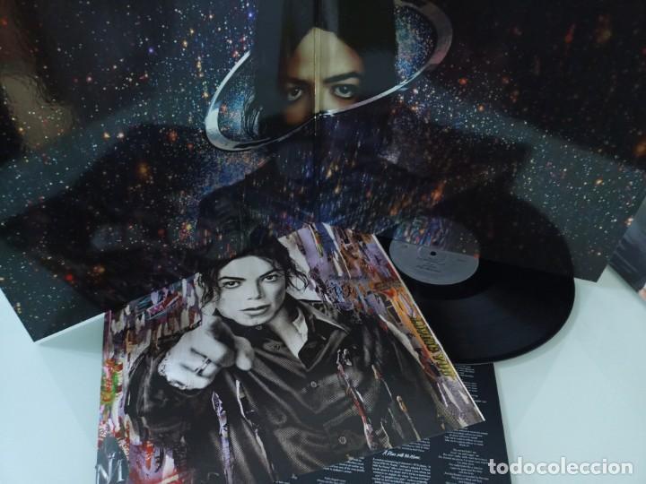Discos de vinilo: JACKSON MICHAEL - XSCAPE ..LP DE VINILO - CON LETRAS Y POSTER - NUEVO DE SONY - Foto 2 - 254991665