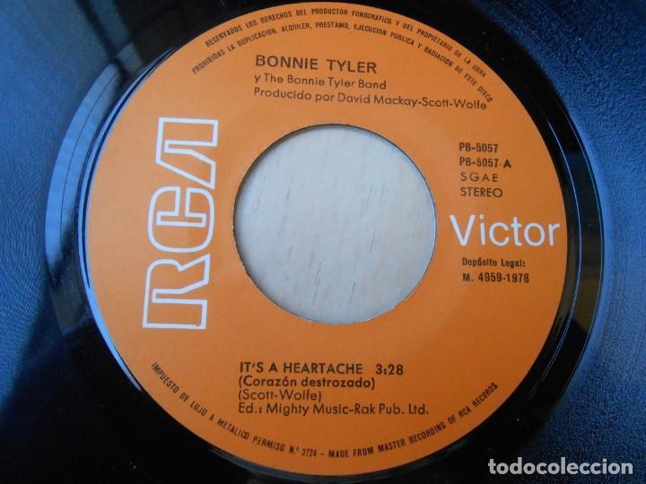 Discos de vinilo: BONNIE TYLER, SG, IT´S A HERTACHE (CORAZON DESTROZADO) + 1 , AÑO 1977 - Foto 3 - 255346075
