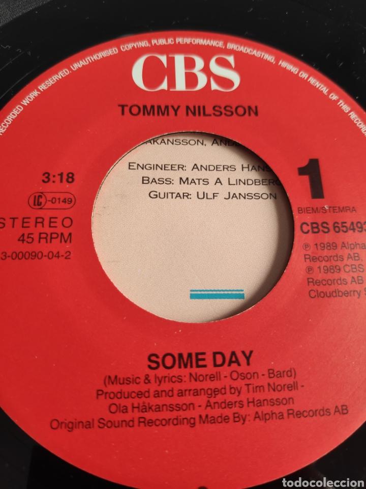 Discos de vinilo: Single vinilo Eurovision 89 - Tommy Nilsson - Some day ( Versión en inglés) + Instrumental - Foto 3 - 256128740