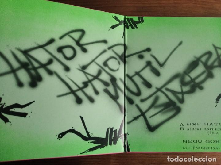 Discos de vinilo: NEGU GORRIAK - Hator Hator **** RARO SINGLE GATEFOLD 1990 GRAN ESTADO (SIN CHAPA) - Foto 2 - 256156665