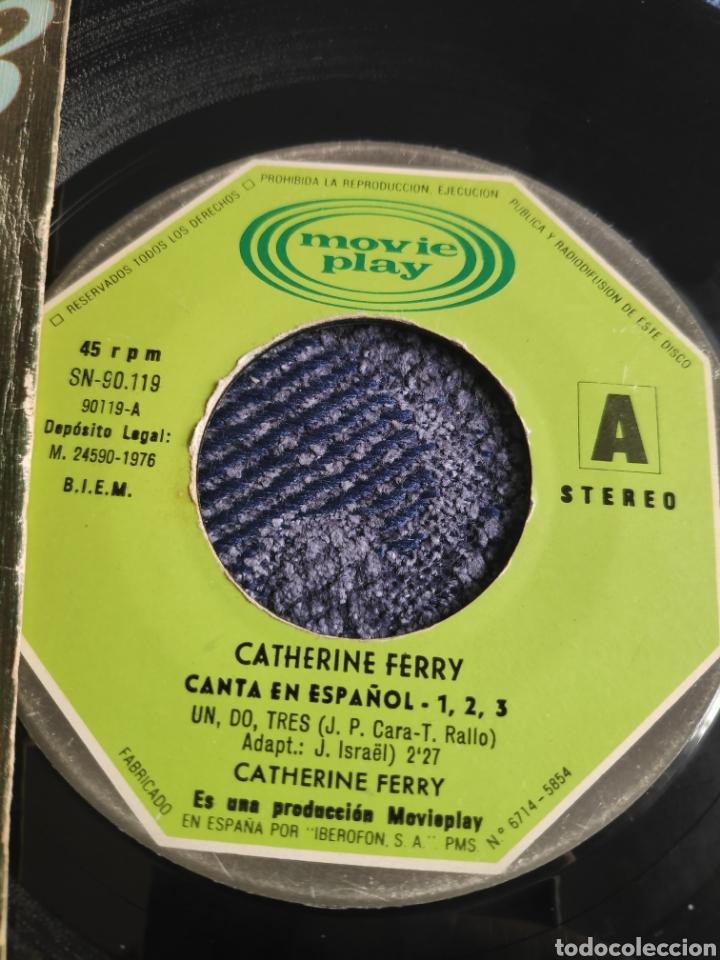 Discos de vinilo: Single vinilo Eurovision 76 España - Catherine Ferry canta en español 1,2,3 y Petit Jean - Foto 2 - 257426190