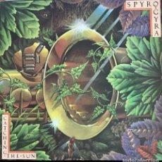 Discos de vinilo: SPYRO GIRA-CATCHING THE SUN. Lote 257601315
