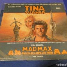 Discos de vinilo: MAXISINGLE BSO DE MAD MAX 3 TINA TURNER WE DON´T NEED ANOTHER HERO BUEN ESTADO. Lote 257740790
