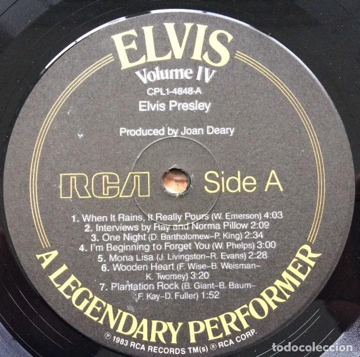 Discos de vinilo: Elvis Presley – A Legendary Performer - Volume 4 USA,1983 RCA - Foto 12 - 1310955